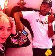 ... ist Miley Cyrus im Studio