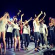 Taylor Swift feiert mit Heidi Klum auf der Bühne