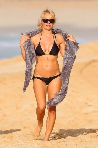 Fotostrecke | Pamela Anderson: Neues Sex-Tape-Projekt | Promiflash.de: promiflash.de/bildstrecke/pamela-anderson-neues-sex-tape-projekt...
