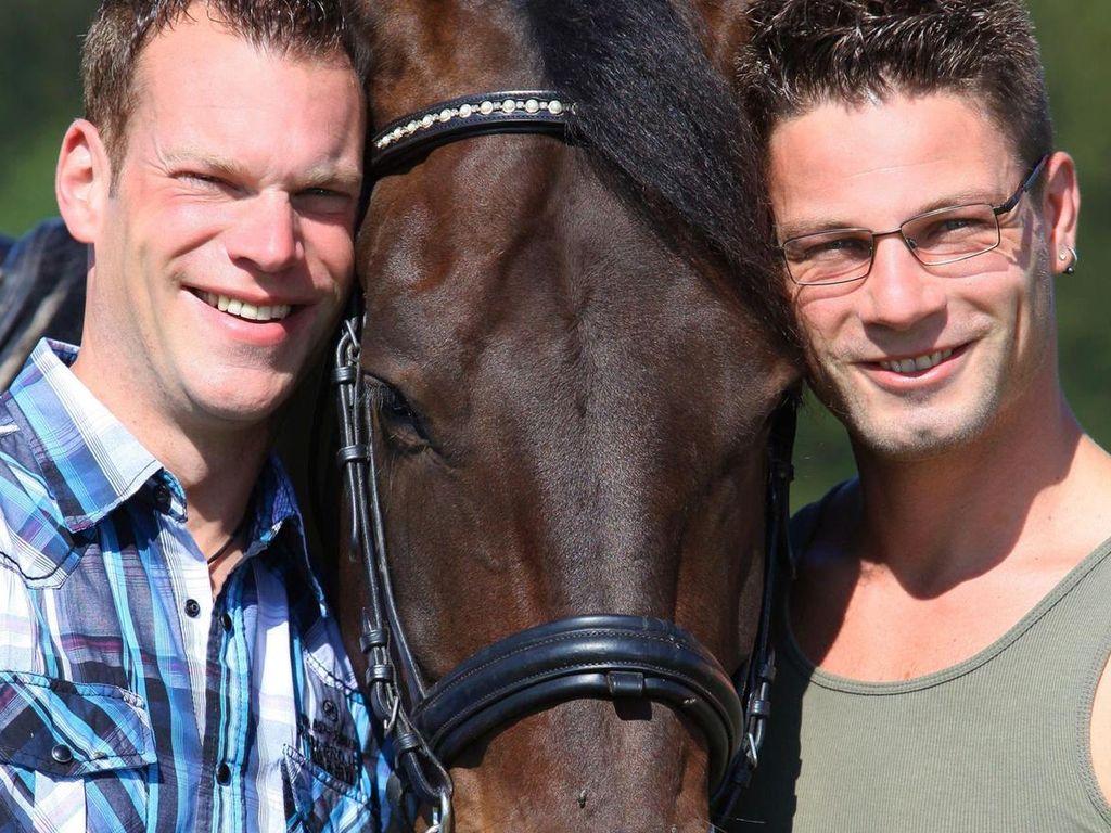 Bauer sucht Frau: Philipp & Veit mit Pferd