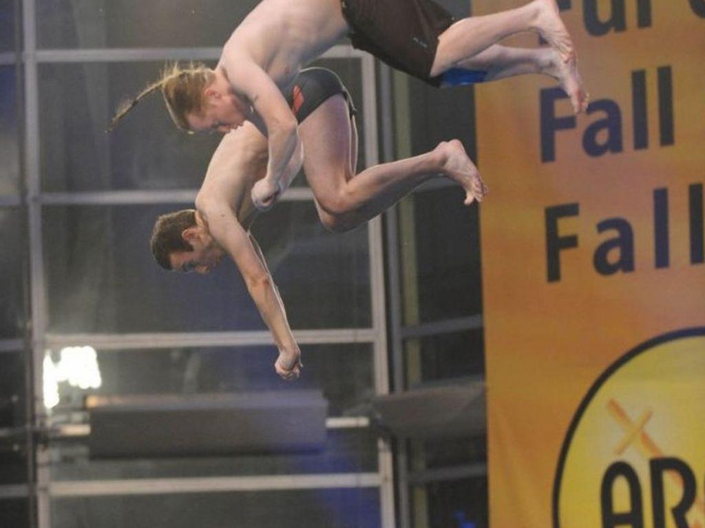 Joey Kelly springt