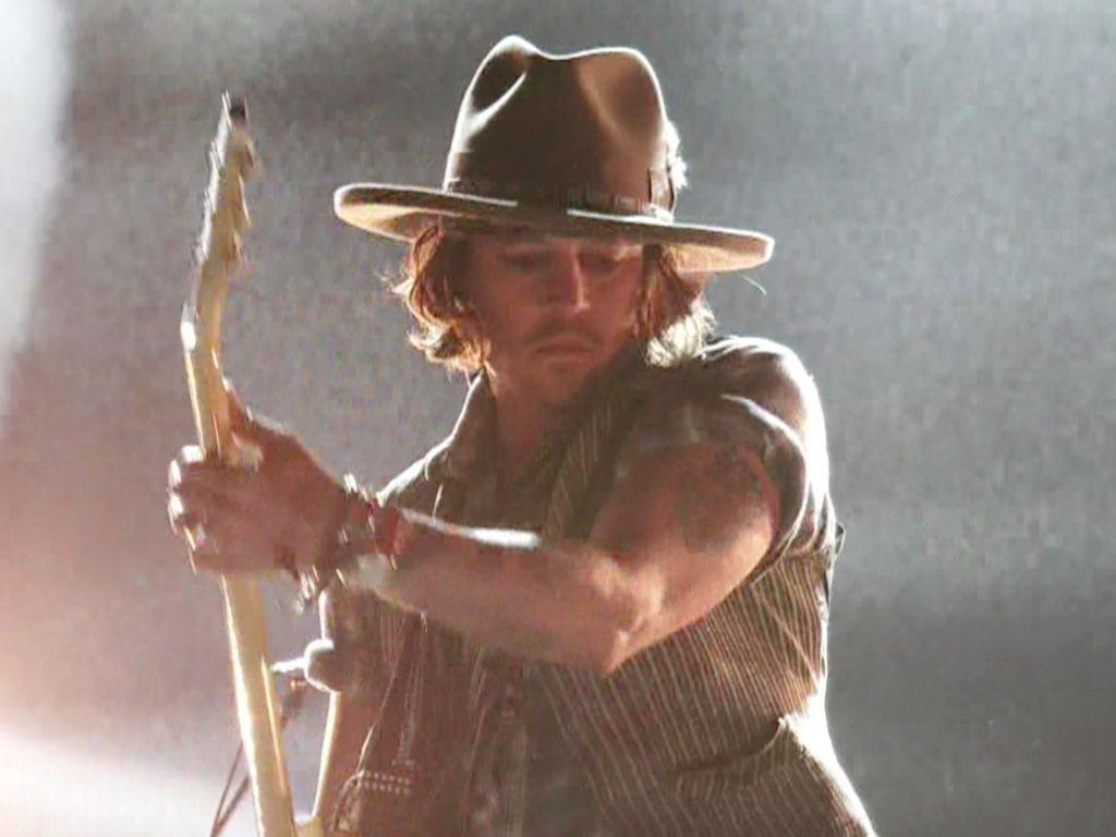 Johnny Depp rockt die MTV Music Awards