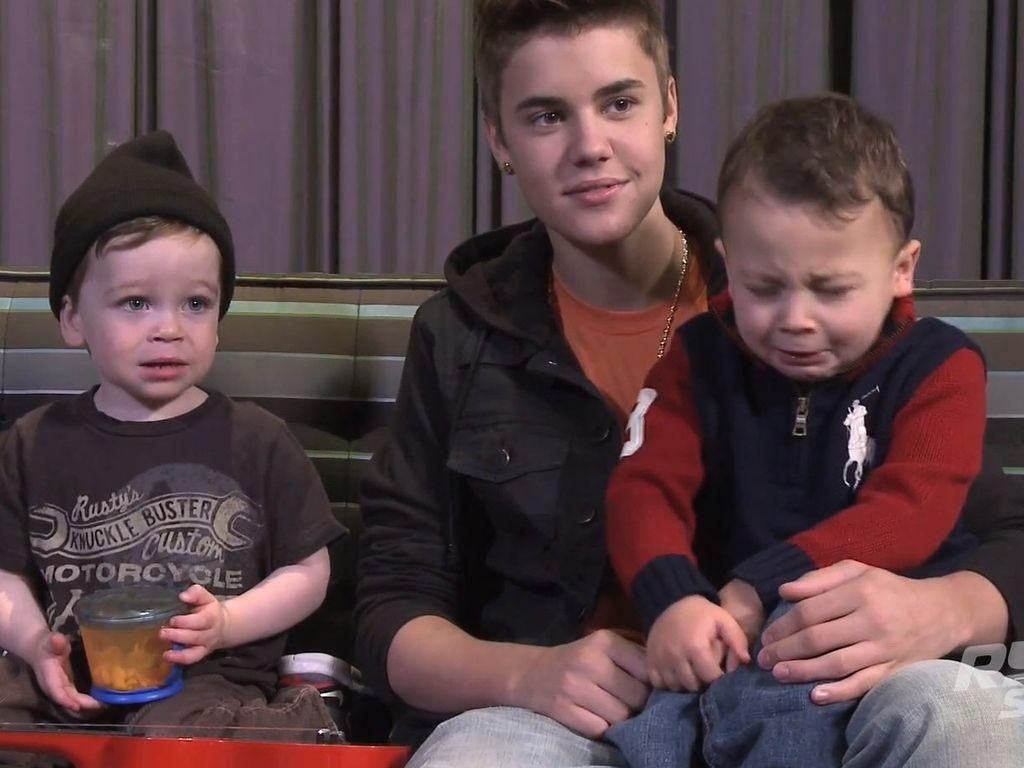Justin Bieber und ein niesendes Baby