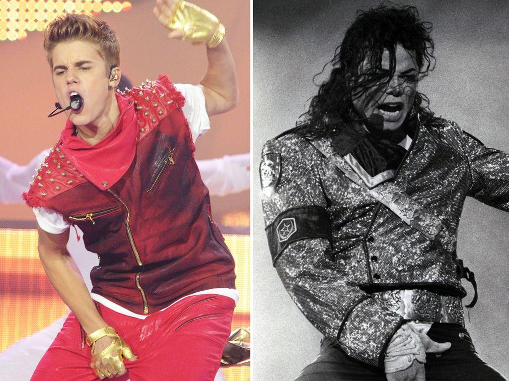 Justin Bieber und Michael Jackson greifen sich in den Schritt