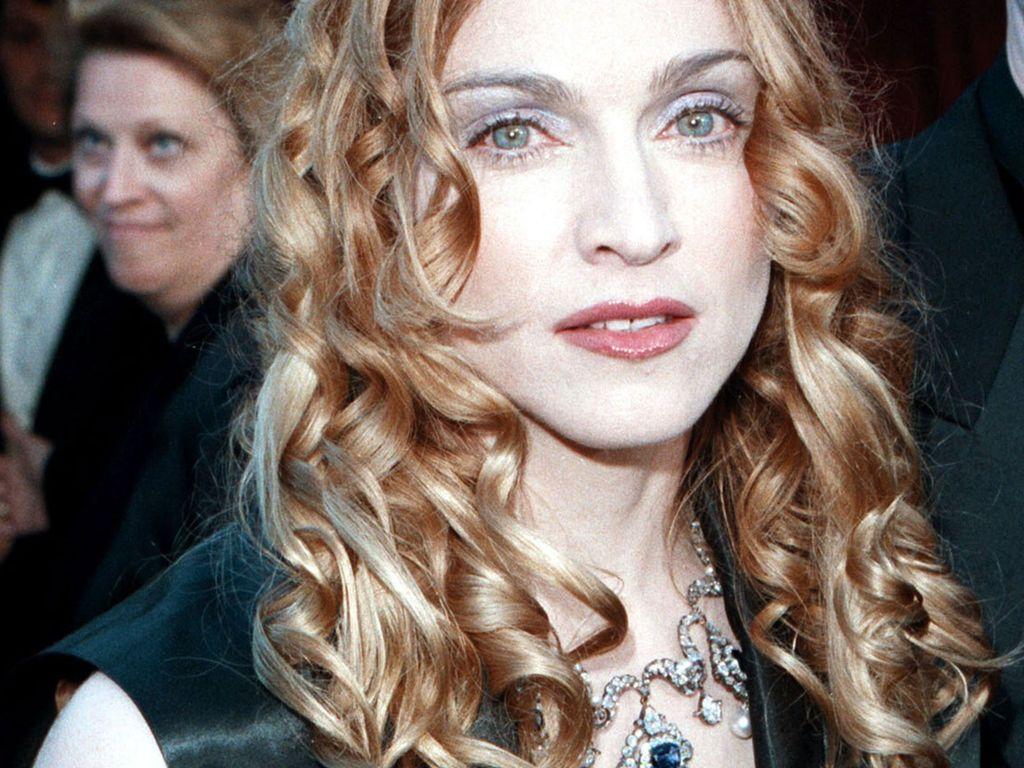 Madonna mit weißem Gesicht