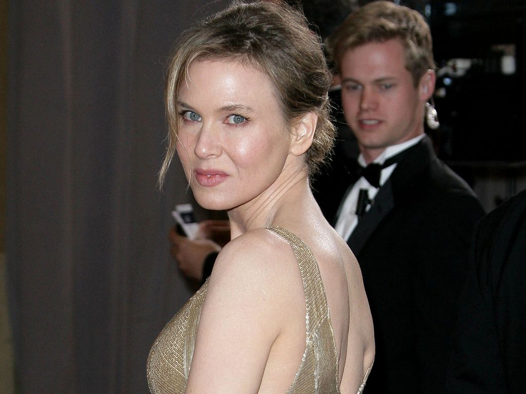 Renee Zellweger im goldenen Dress bei den Oscars