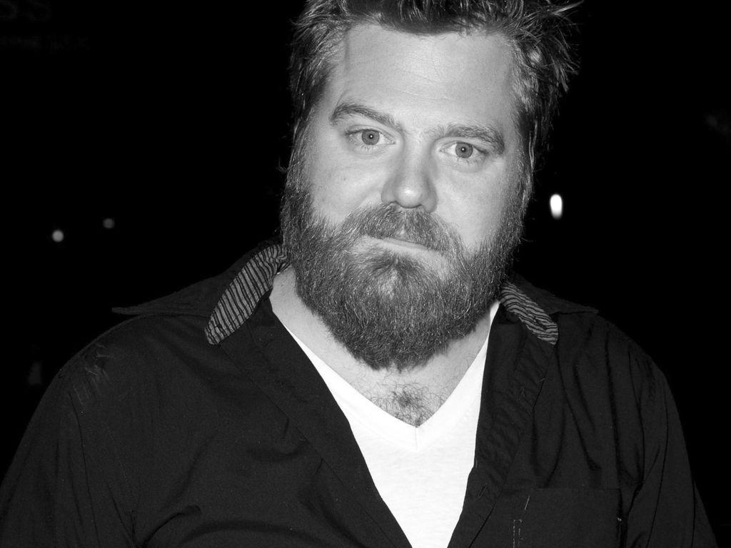 Ryan Dunn in Schwarz-Weiß
