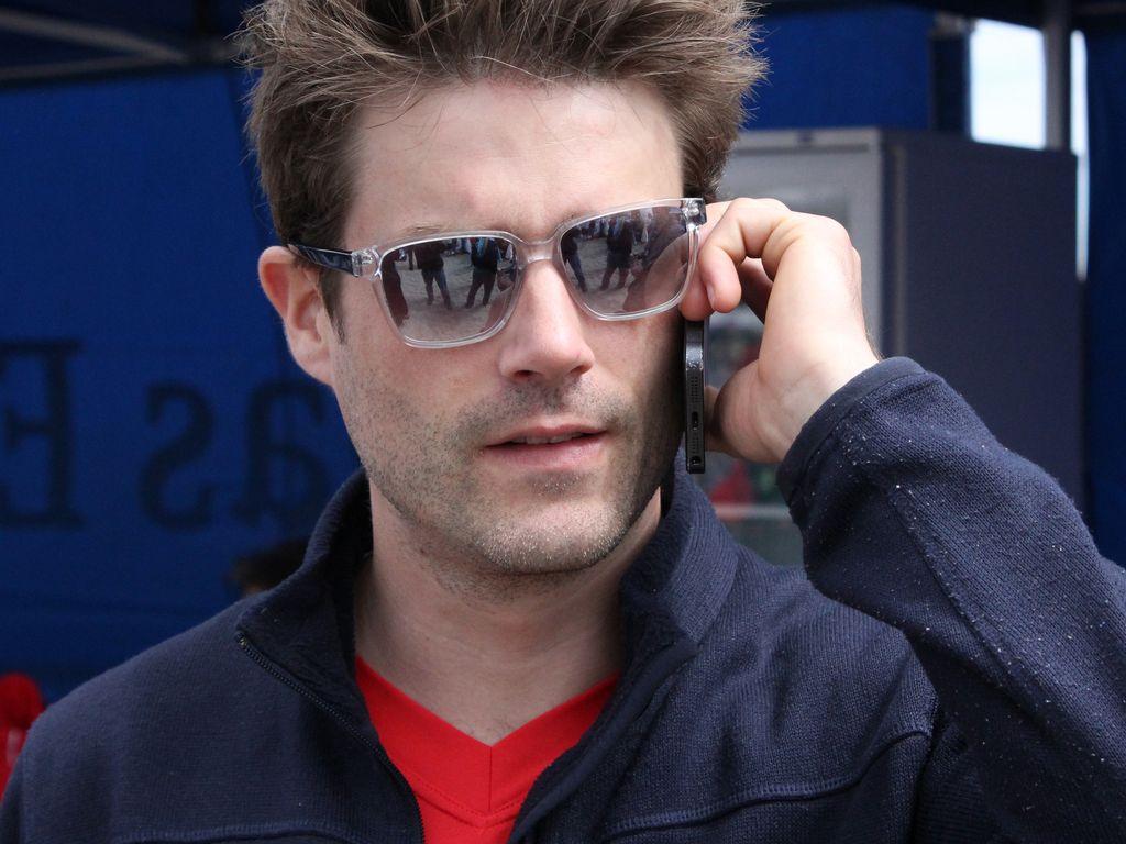 <b>Sebastian Schlemmer</b> mit Sonnenbrille - sebastian-schlemmer-mit-sonnenbrille