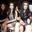 Kim und Kourtney Kardashian saßen im Publikum