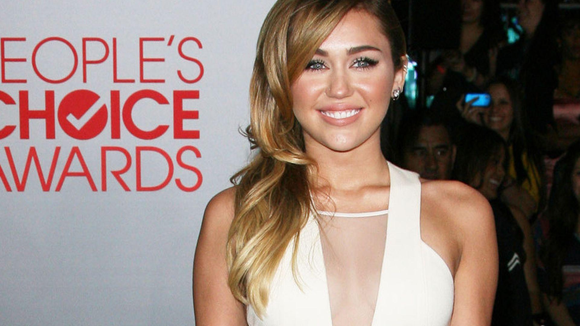 Miley Cyrus: Brust-OP? Nein! - tomhengstde