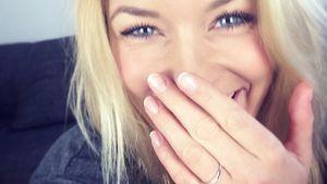 Annica Hansen mit einem verdächtigen Ring