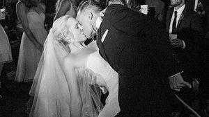 Candice Accola und Joe King Hochzeits-Kuss