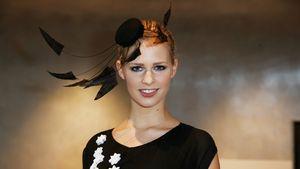 Caroline Noeding mit son'ne Fummelgedöns auff'n Kopp - Miss Germany 2013