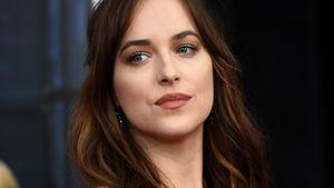 Dakota Johnson schaut arrogant