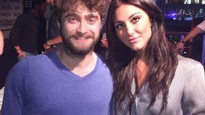 Daniel Radcliffe posiert mit Cassie Scerbo