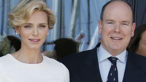Fürstin Charlène & Fürst Albert stehen nebeneinander