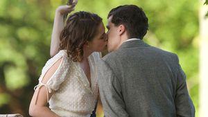 Jesse und Kristen küssen sich
