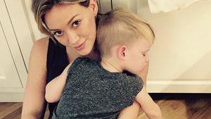 Luca Comrie schläft auch Mama Hilary Duff