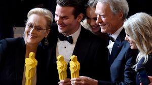 Meryl Streep und Bradley Cooper mit Lego-Oscars