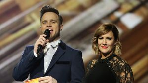 "Olly Murs und Carolina Flack bei ""The X Factor"""