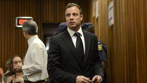 Oscar Pistorius blickt in die Ecke