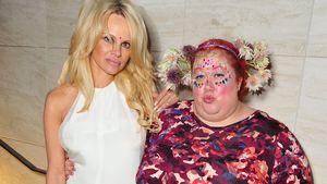 Pamela Anderson und Sharon Gault bei einem Event
