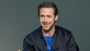 Ryan Gosling gestikuliert