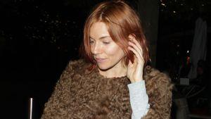 Sienna Miller mit roten Haaren