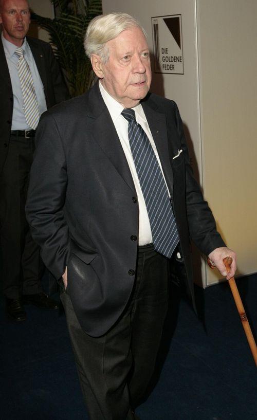 Helmut Schmidt liegt seit gestern auf der Intensivstation