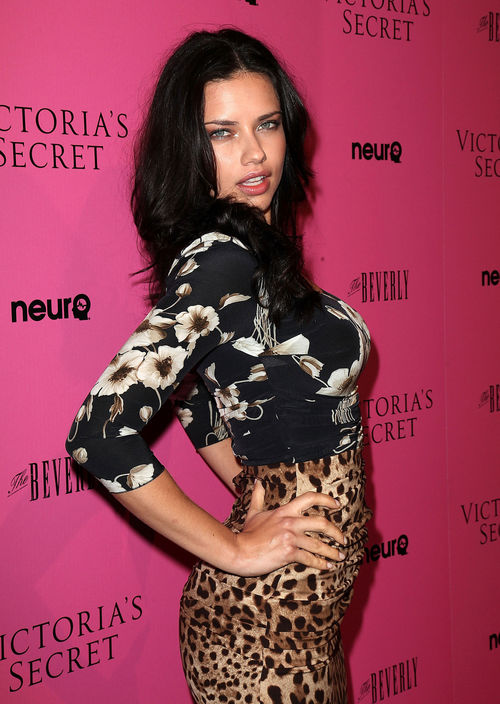 Adriana Lima, Victoria's Secret - Adriana Lima verzichtet für den Job auf feste Nahrung