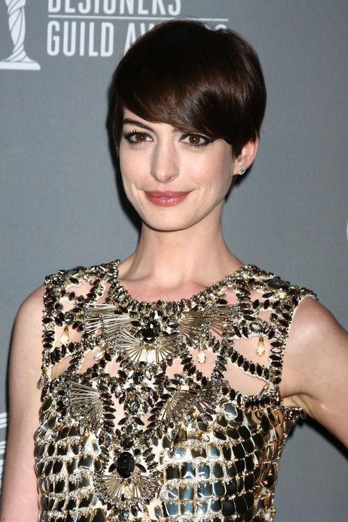 Anne Hathaway setzte auf schwarze Cat-Eyes