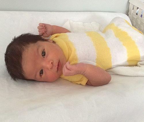 Der kleine James Hunter ist das Baby der Sixpack-Mama