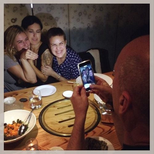 Bruce Willis hat Spaß mit seinen Töchtern