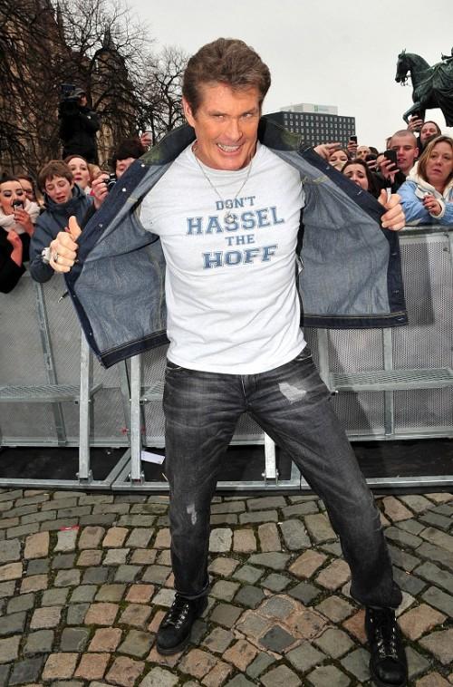 [Bild: david-hasselhoff-mit-schoenem-shirt.jpg]