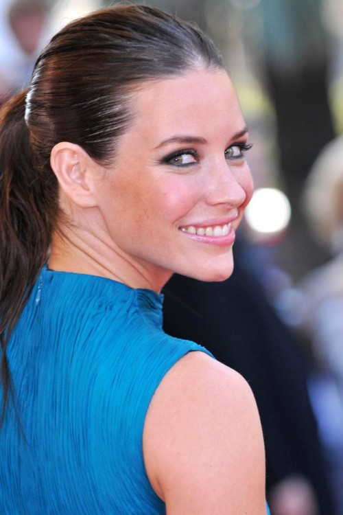 So great and Hot photos and Video! For you: Evangeline Lilly Nip Slip