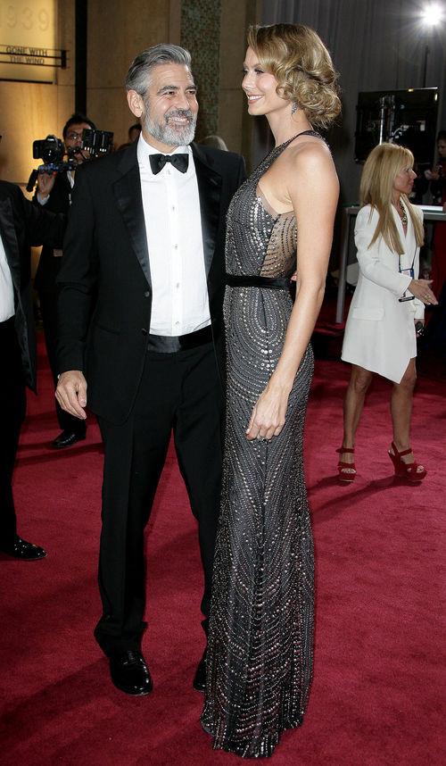 George Clooney und Stacy Keibler bezauberten bei den Oscars auf dem Red Carpet