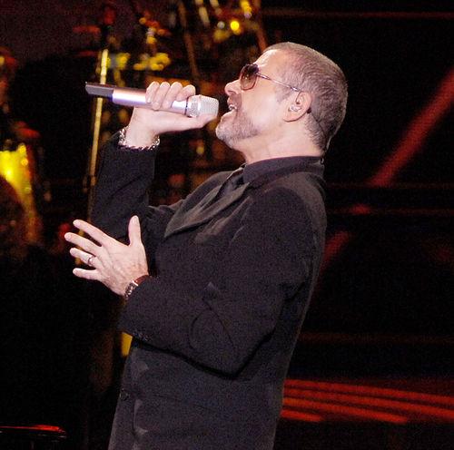 George Michael wurde mit Lungenentzündung in ein Krankenhaus eingeliefert