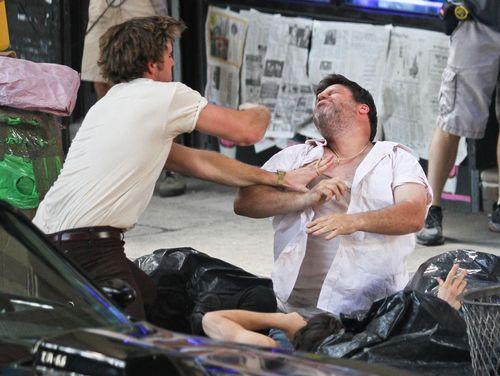 Liam Hemsworth bei einer Prügelszene
