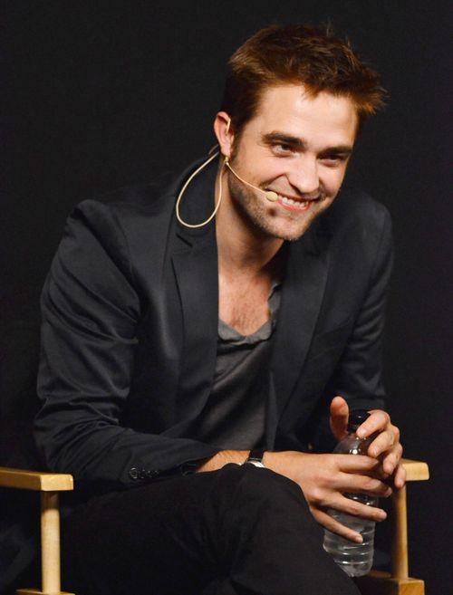 Robert Pattinson verlernte seinen gebürtigen, britischen Akzent