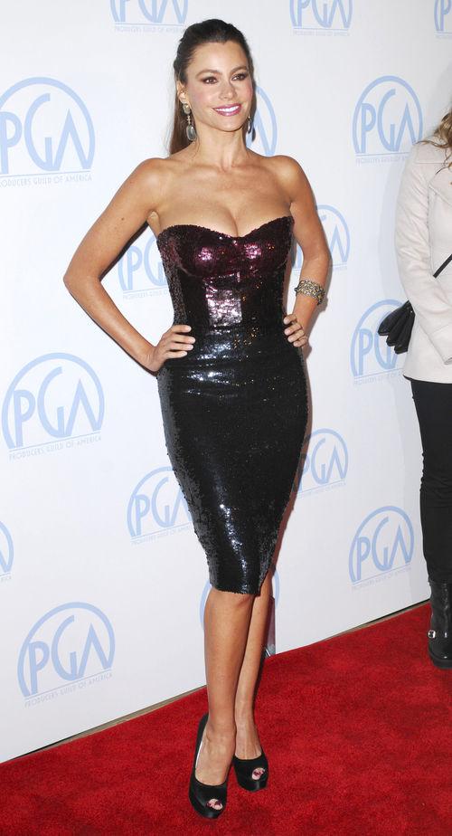 Sofia Vergara setzt auf Sexappeal im Pailletten Kleid