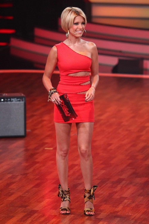 Sylvie van der Vaart, Let's Dance - Sylvie van der Vaart trägt immer sehr heiße Kleider bei Let's Dance