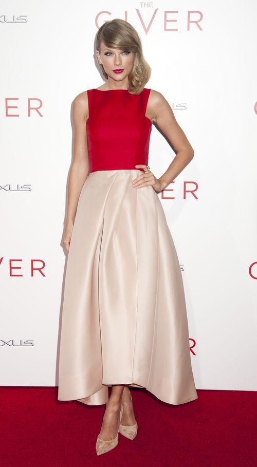 Taylor Swift wurde vom People Magazine an die Spitze der am besten angezogenen Damen gewählt