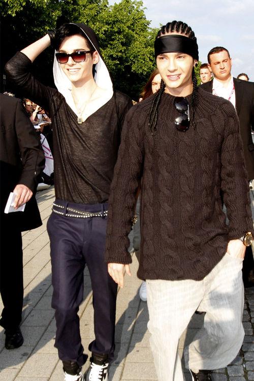 """Tokio Hotel, Bill Kaulitz, Tom Kaulitz - Die zwei übernehmen möglicherweise die Rolle der Brüder im Film """"Die Räuber"""""""