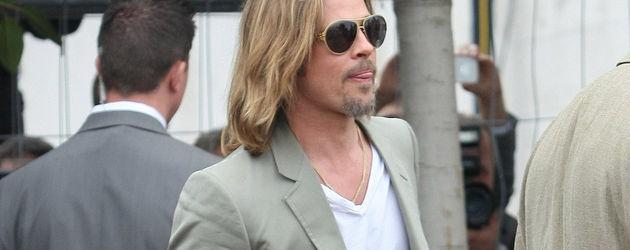 Brad Pitt im sommerlichen Anzug