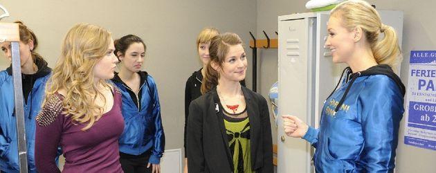 Hand aufs Herz: Sonja Bertram, Verena Mundhenke, Lucy Scherer