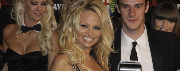 Pamela Anderson und Cooper Hefner