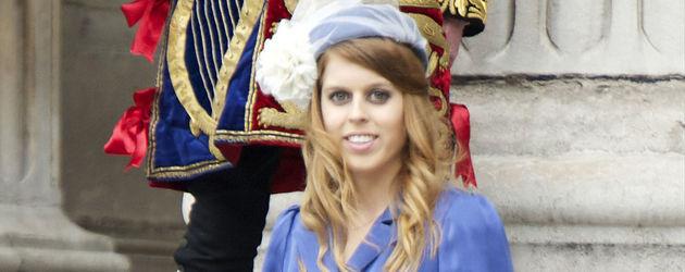 Prinzessin Beatrice in Blau