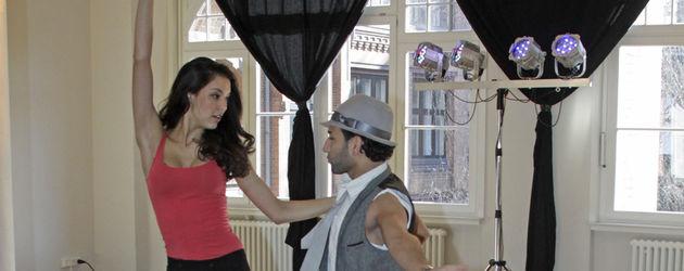 Rebecca Mir und Massimo Sinató beim Tanzen
