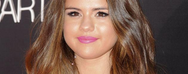 Selena Gomez ganz süß in pink