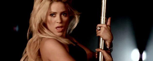 Shakira zeigt sich an der Stange